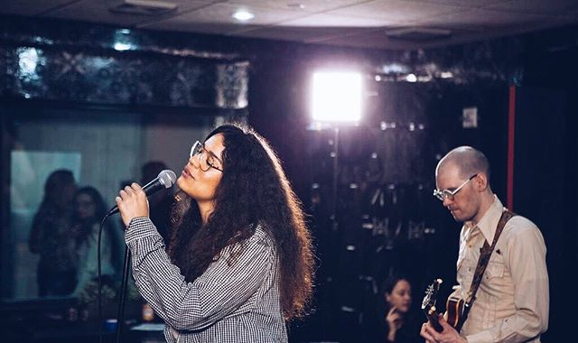 📸 from the #sofarnyc show last week. Probably singing about love or something....
