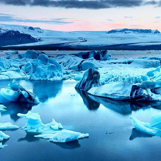 One month countdown to Iceland! Jokusarlon glacier lake is on the itinerary. (not my photo but planning on getting some like this!) #iceland #jokulsarlon #glacier #wanderlust #travel #bucketlist