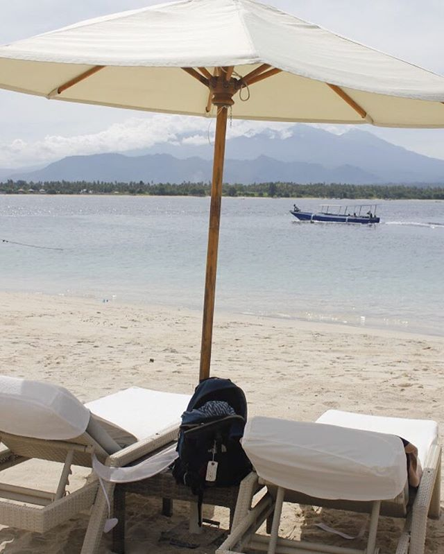 #tbt to one year ago on Gili Air island in Indonesia. One of the quietest and remote places I've been. No cars, few people, gorgeous white sand beach, and big turtles you can see just snorkeling off the beach. One of my best days traveling ever. #wanderlust #bali #giliair #indonesia #beach