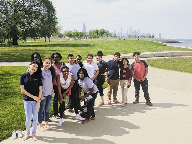 It's never a bad idea to deviate from the itinerary sometimes if it means incorporating a little more fun. Especially when that fun is by the lake side. * * * #ccsdasCHI17 #scholars #classtrip #fun #chicagoskyline #chitown #allintogethernow #fieldtrip #adventisteducation #christianSchool