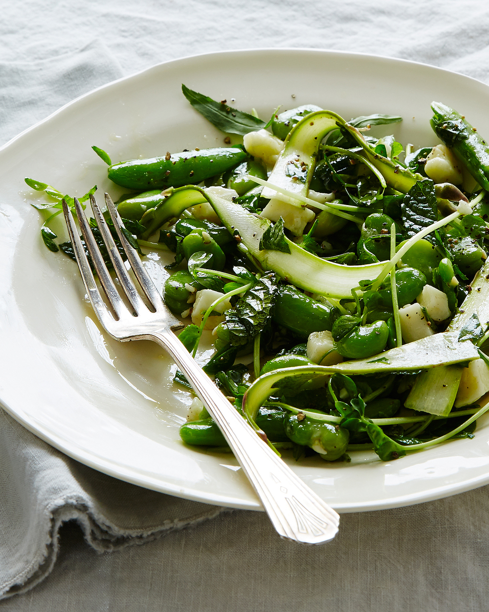 2016-0512_raw-pea-asparagus-fava-bean-salad-with-herbs-and-pecorino_SS_23813.jpg