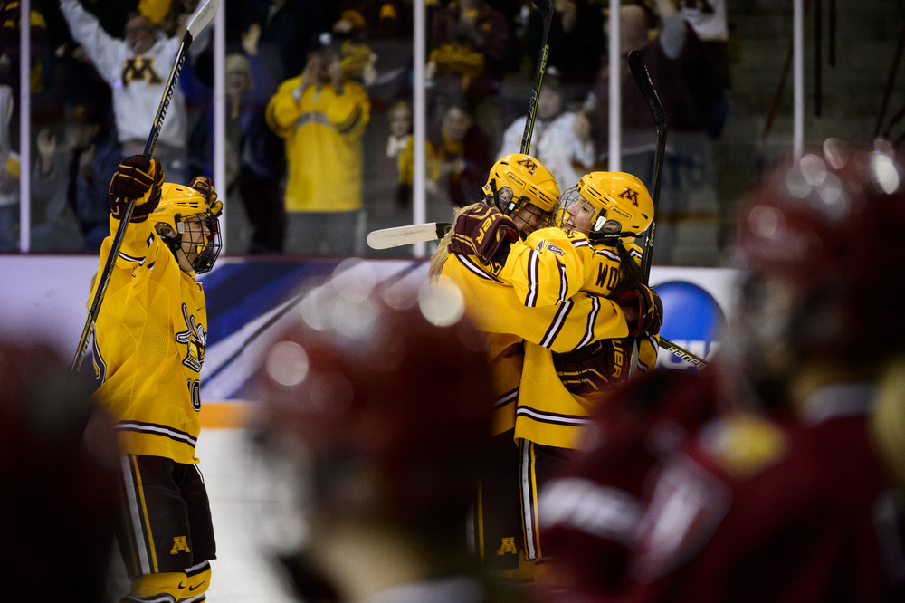NCAA Harvard Minnesota Hockey
