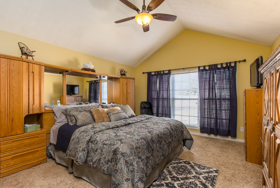 7140 Valley Forest Dr Web-8.jpg
