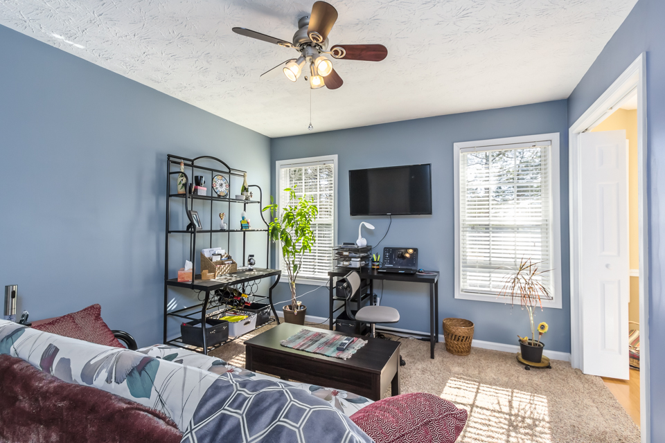 7140 Valley Forest Dr Web-10.jpg