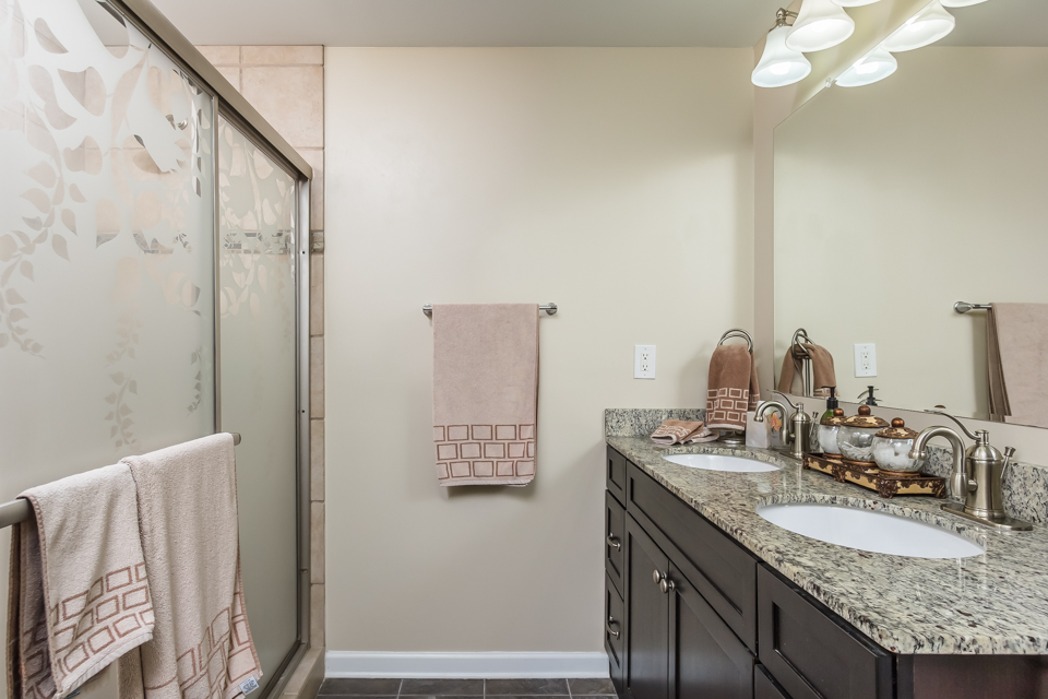 7140 Valley Forest Dr Web-15.jpg