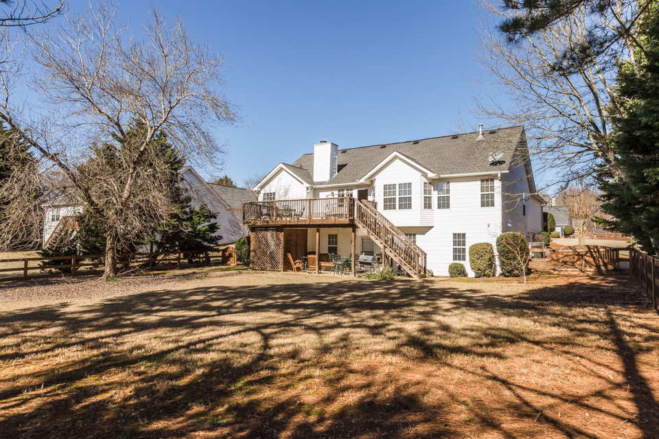 7140 Valley Forest Dr Web-17.jpg