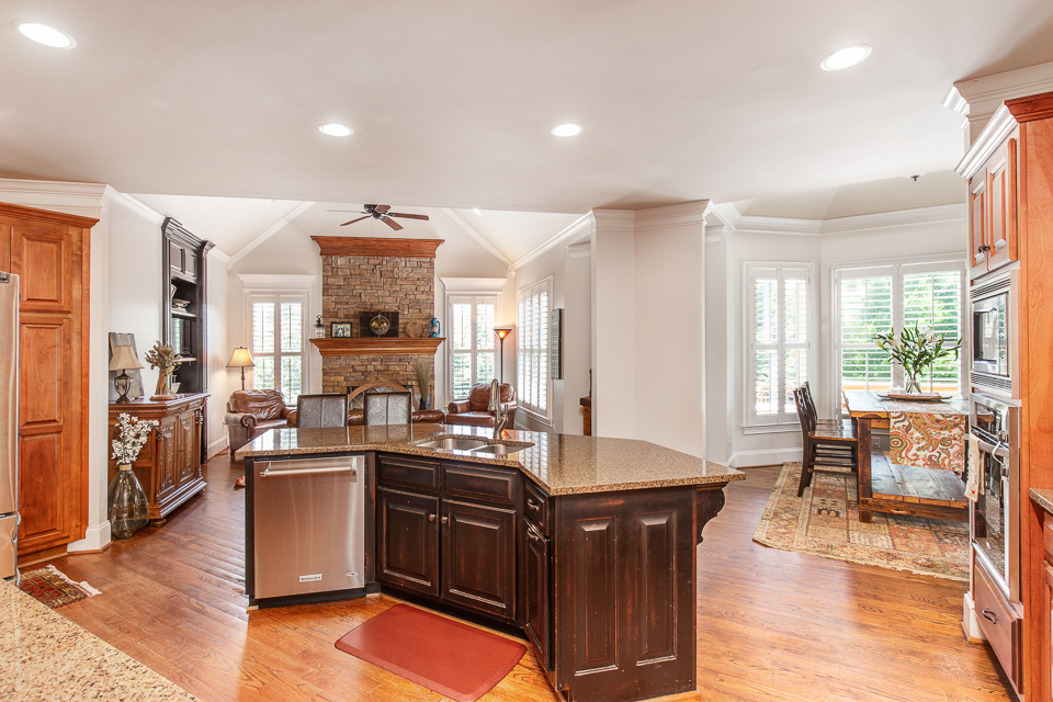 1021 Rowan Oak Circle Web-13.jpg