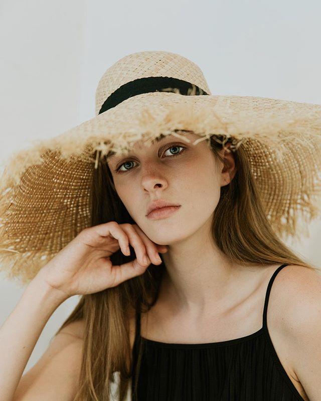 Summer beauty 😍 @karisdawson @lizbellagency
