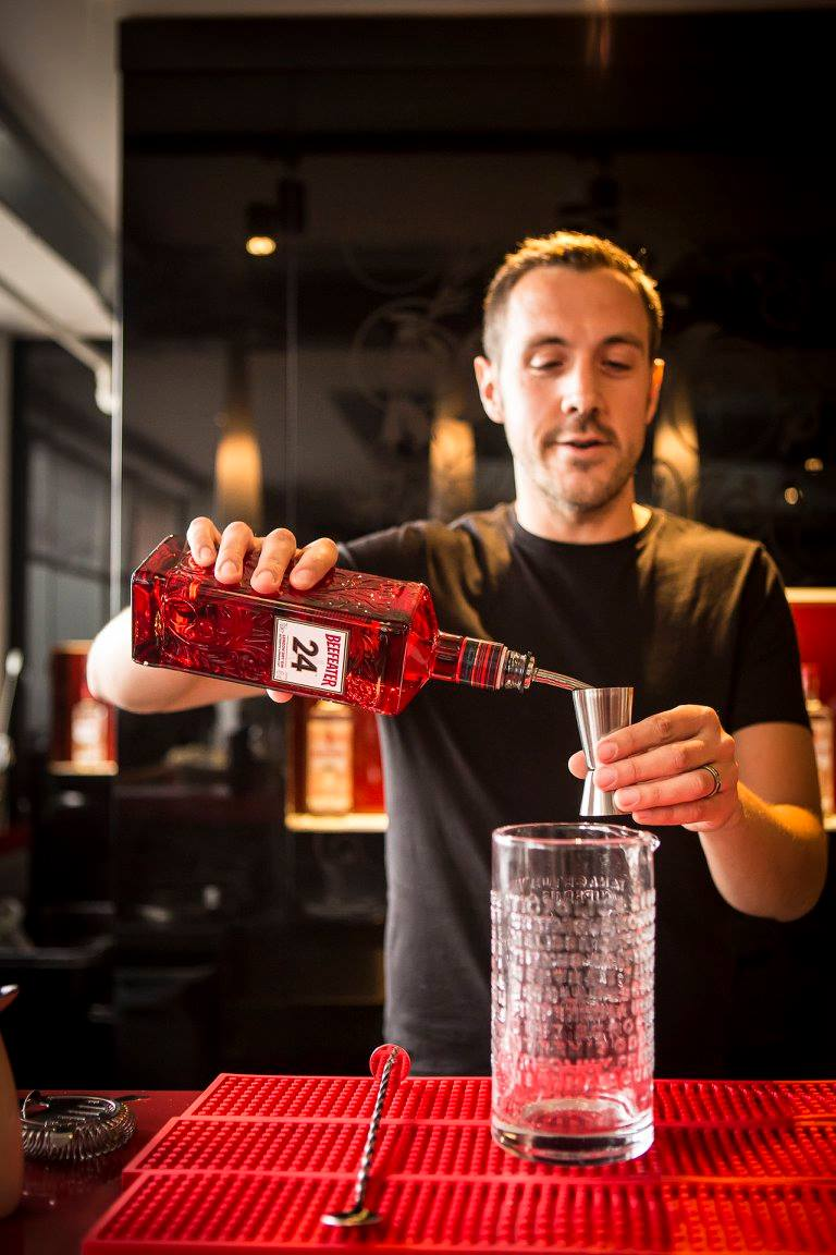 The Amateur Mixologist mixing it up at the Beefeater Cocktail competition