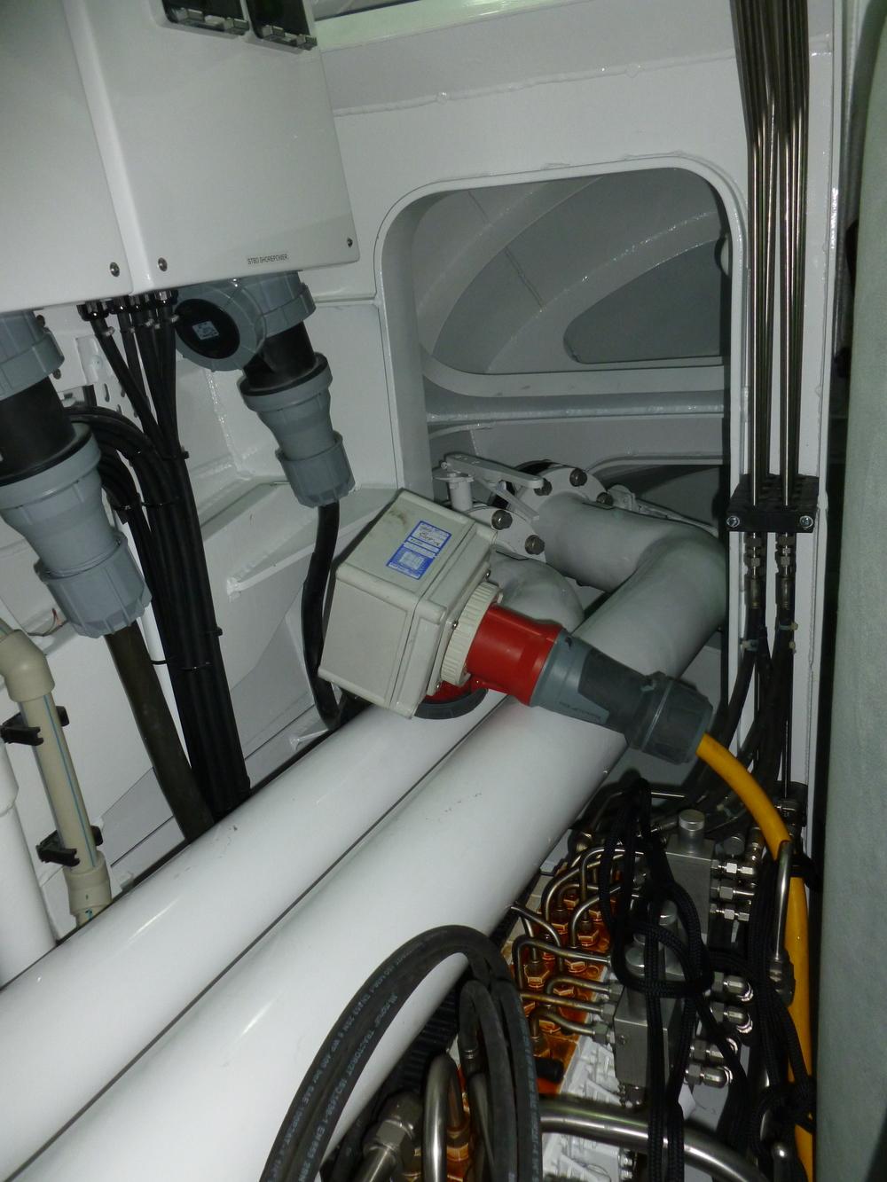 06 MarineExhaust Pipe Engineroom.JPG