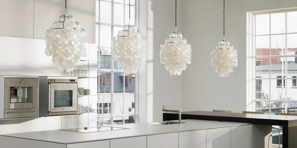 modern_lighting_kitchen_counter_pendant_lamps.jpg