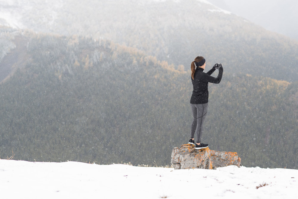 Ashley Barker LuluLemon Banff Mountain Overlooking Photographer Snowing Grey Flash Photography