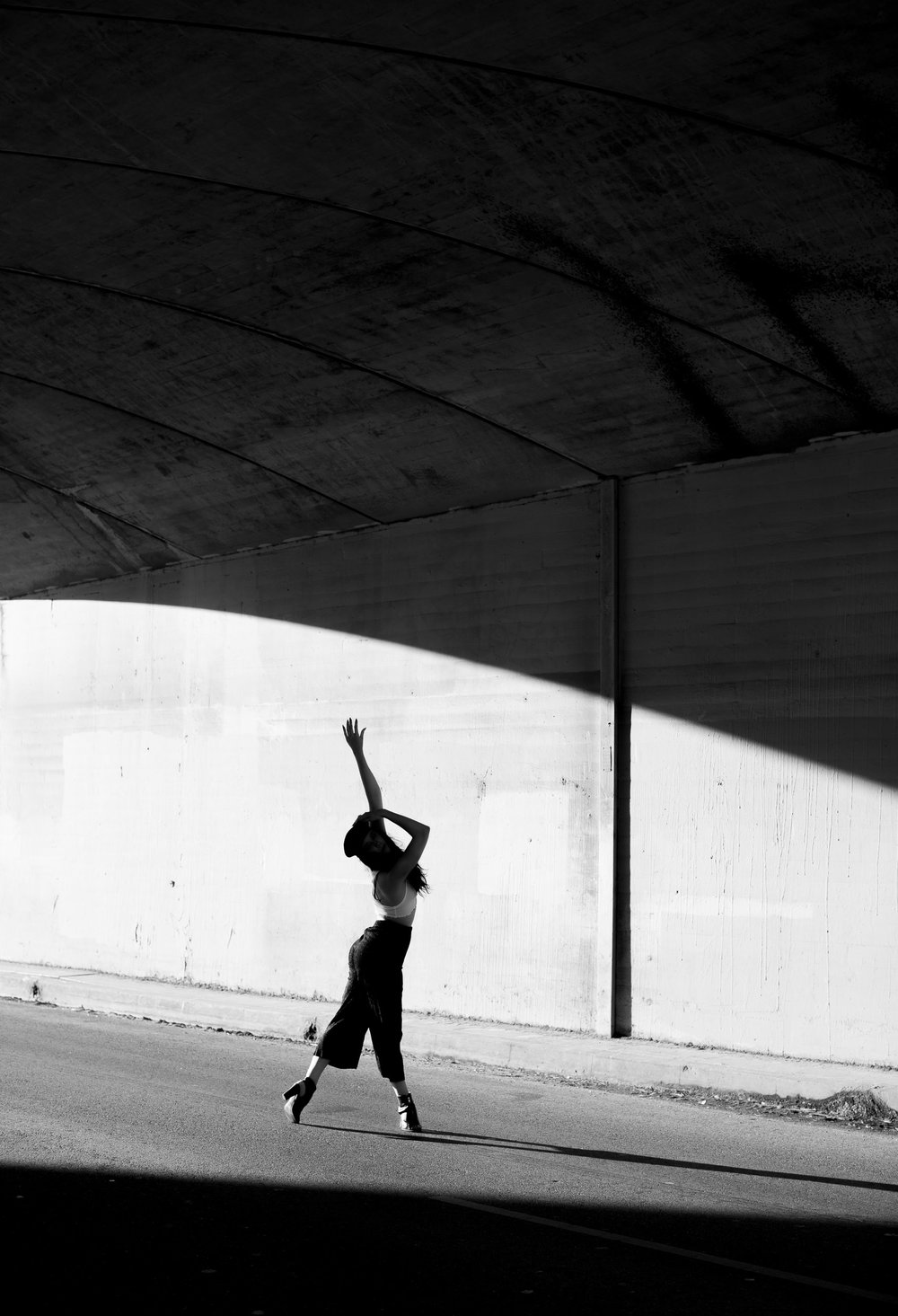 Dancer Justine Lutz choreographer Los Angeles photographer Ashley Barker female stunning images movement b&w shadow silouette