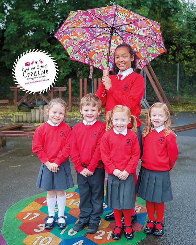 September drizzle not stopping the fun at a calendar shoot at Carrickmannon Primary School last week! 💦☔️