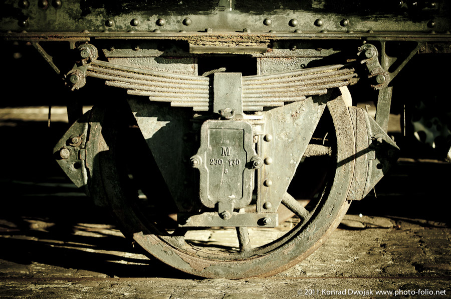 old_train_wheel_rust