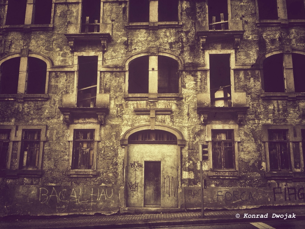 Porto's abandoned building