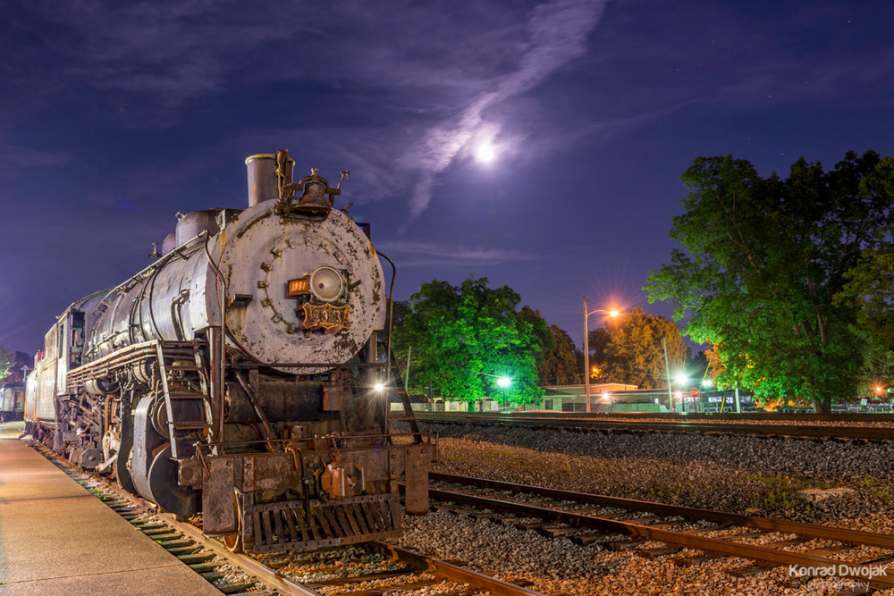An old locomotive at night at Collierville Historic Train Depot (Collierville Historic Town Square)