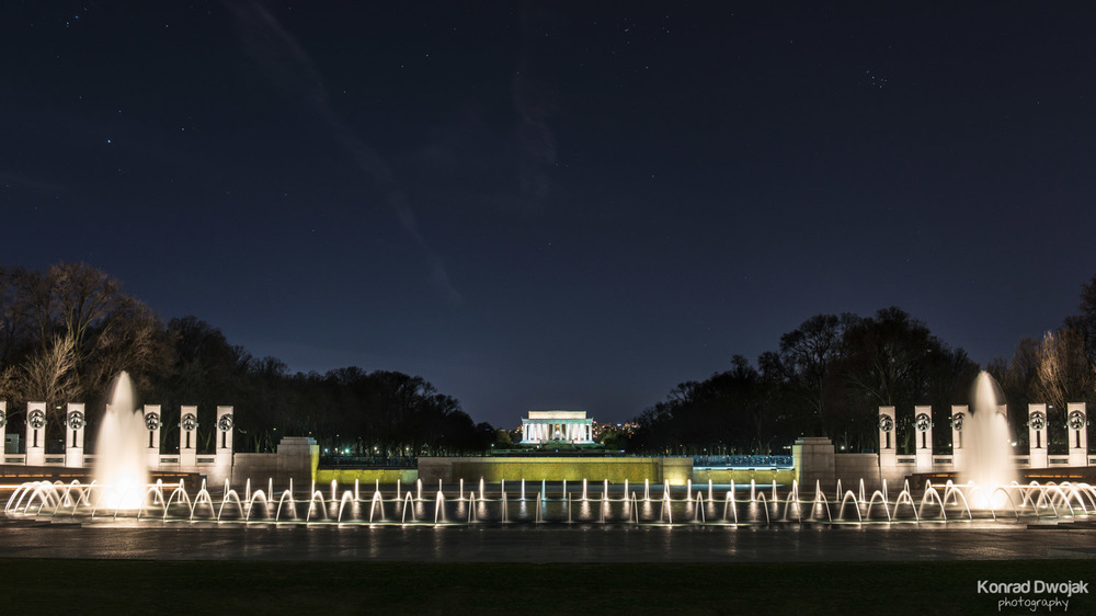 Washington D.C. at night - The World War II Memorial and the Lin