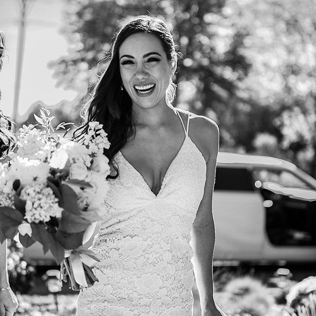 Meet #THBrealbride Sofia and her beautiful @puremagnolia Poppy gown. Learn about Sofia's experience at @thehandmadebride and hear her wedding tips for #bridetobes.