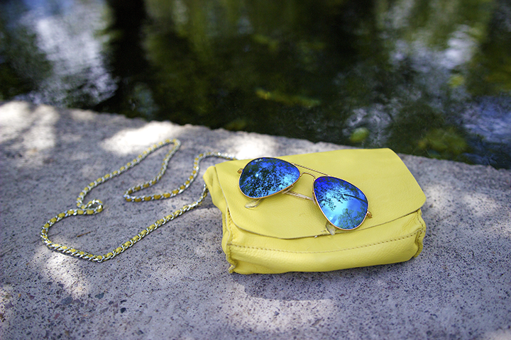 Zara bag, Ray-Ban sunnies