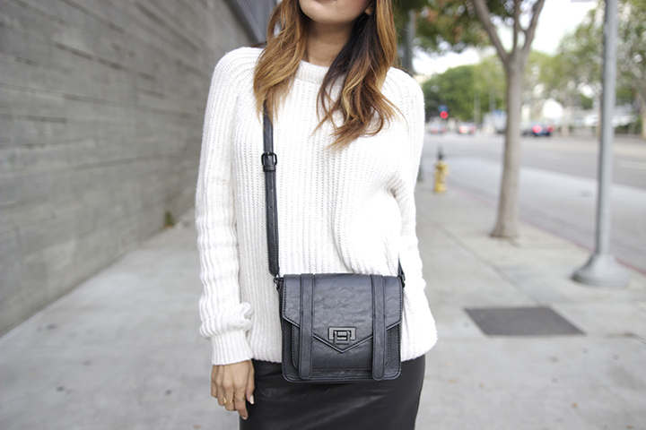 Oak NYC hat, Zara sweater, Forever21 skirt and bag, Nike sneakers