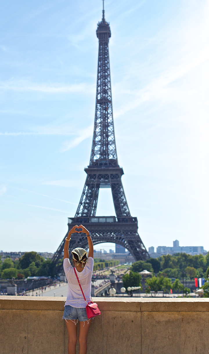 Bonjour! I'm so excited to finally share this photo diary of my trip to Paris. Visiting the city of love and romance was a total dream come true. I left my heart in Paris but hope to return soon...