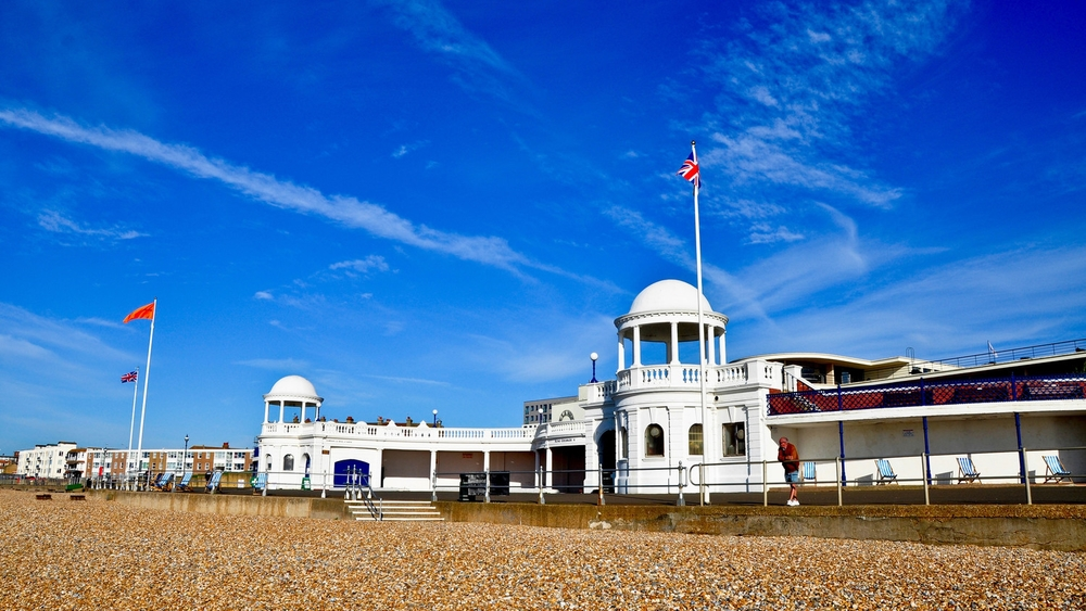 ALL PROPERTIES ADVERTISED IN BOTH OUR BEXHILL AND LITTLE COMMON OFFICES
