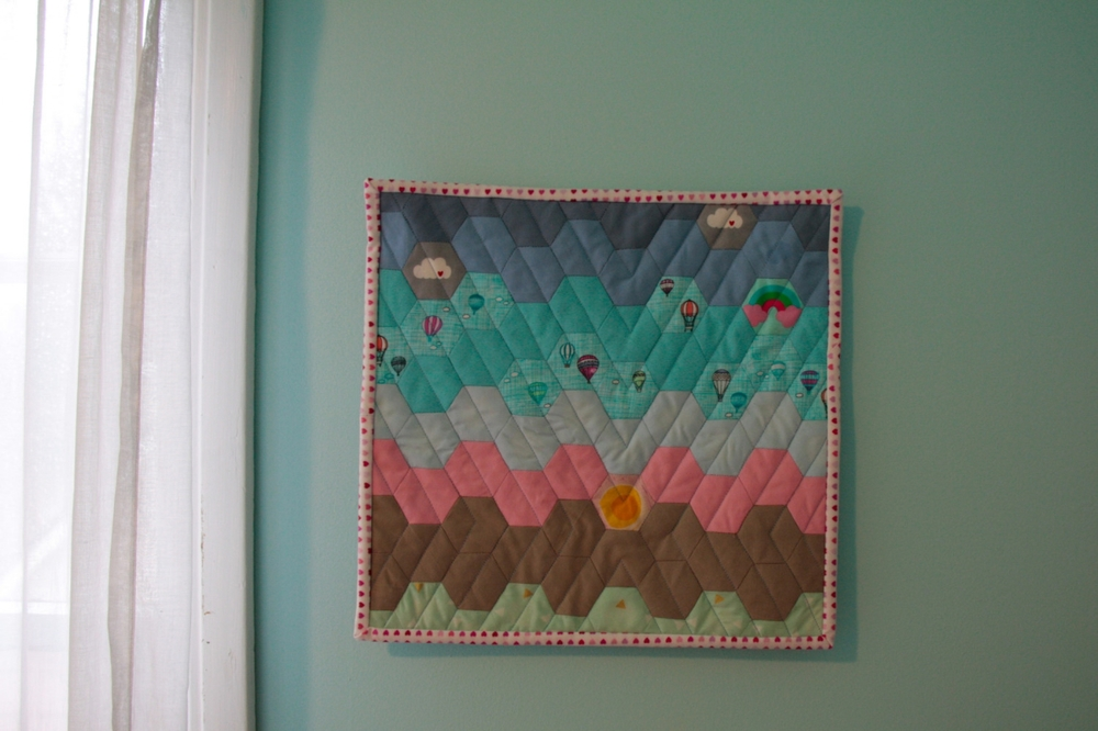 Hot Air Balloon Mini Quilt - www.hoorayforrain.com