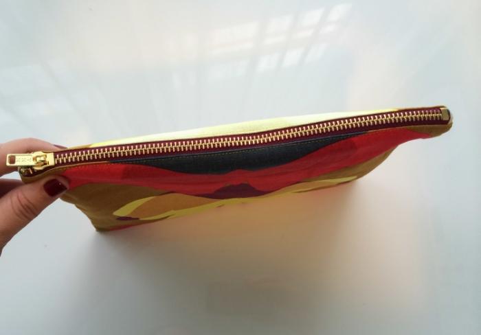 Zipper Pouches - www.hoorayforrain.com