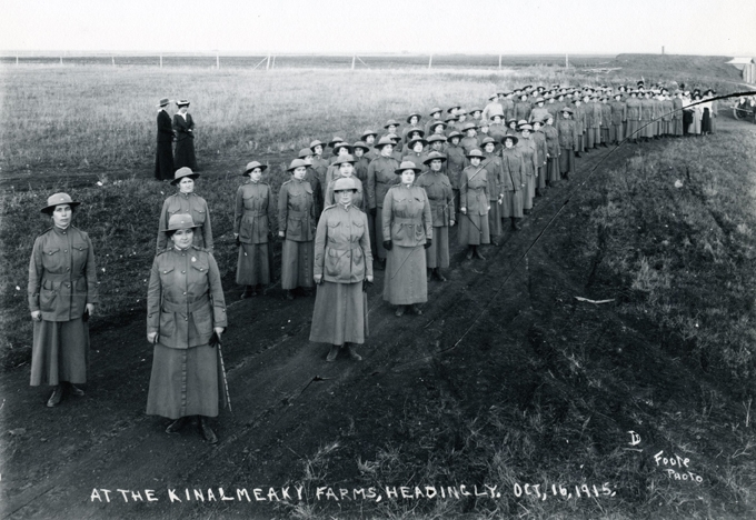 Winnipeg Women Volunteer Reserves at Kinalmeaky Farms, Headlingley, MB     1915 Archives of Manitoba     Foote Collection