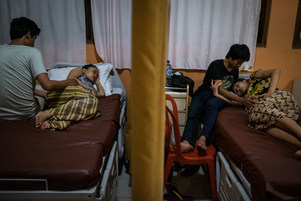 Bumi Sehat is a natural birthing center in Ubud Bali ( Indonesia) that believes access to high quality maternal healthcare is a human right. two women are in labour at 10.30 pm