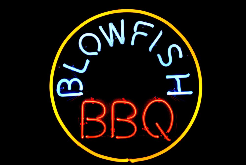 BLOWFISH BBQ - Custom Commercial Neon.jpg