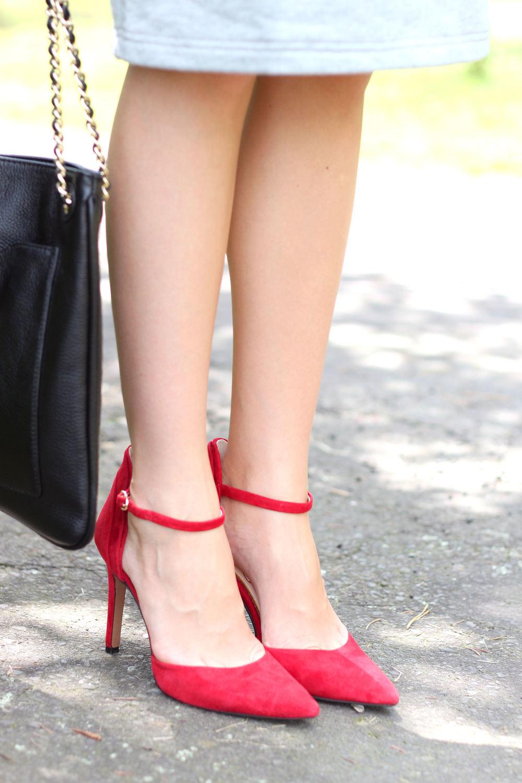 Gray x Red- Enchanting Elegance