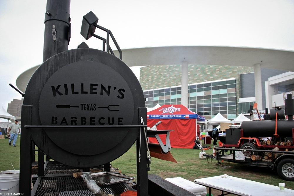 Killen's Barbecue's massive pit