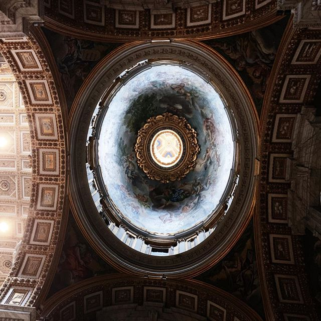👁 . . . . . . #travel #lifeofadventure #exploreeverything #highvibelife #traveljournal #lookingup #italia #discoveritaly #exploringitaly #italiabella #italy #roma #rome #viaje #perspective #myview #alwaysgo #neverstopexploring #welivetoexplore #italytravel #italyvacation #italian_places #framesofitaly #igersitaly #igitaly #iloveitaly #perfect_italia