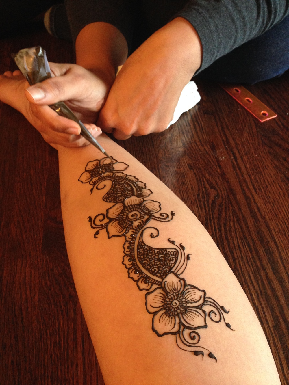 Beautiful Henna on the gastrocs of @eudaimoniaseeker.com