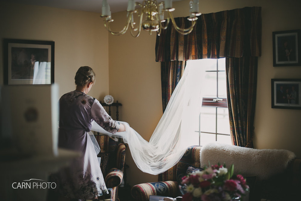 Wedding-Photographer-Killyhevlin-Enniskillen-Hotel-003.jpg