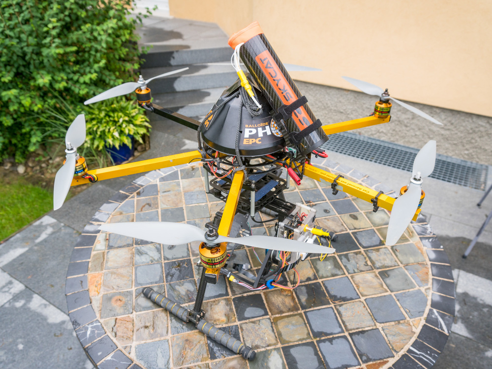X66 launcher with 60-SUL ultra light parachute. Picture: http://www.drone-images-alsace.com/