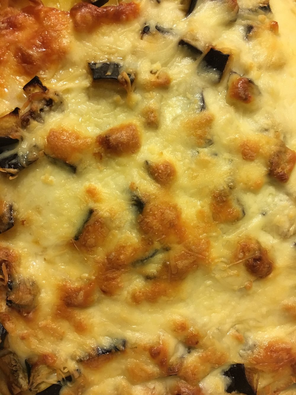 Golden, crunchy, cheesy crust. What more do you need for a weeknight meal on a cold and grey november day?