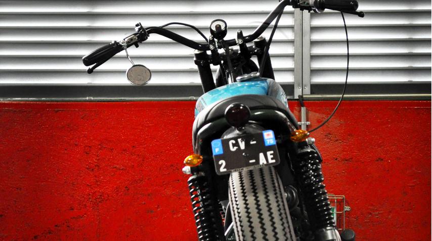 Moto Gadgettiny speedometer + cup.