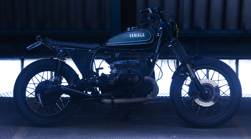 - 100% rebuilt BMW R80/7 engine (piston, rings, top engine gaskets); - high temperature resistant matt black painting of the engine; - shiny dark grey powder coating of the frame + bespoke subframe