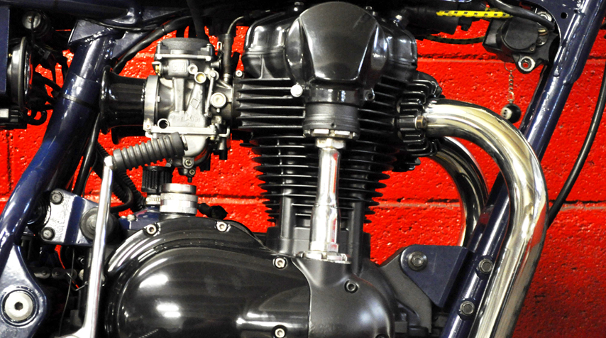 Matt black high temperature painting of the engine. 100% reconditioned electric wiring.