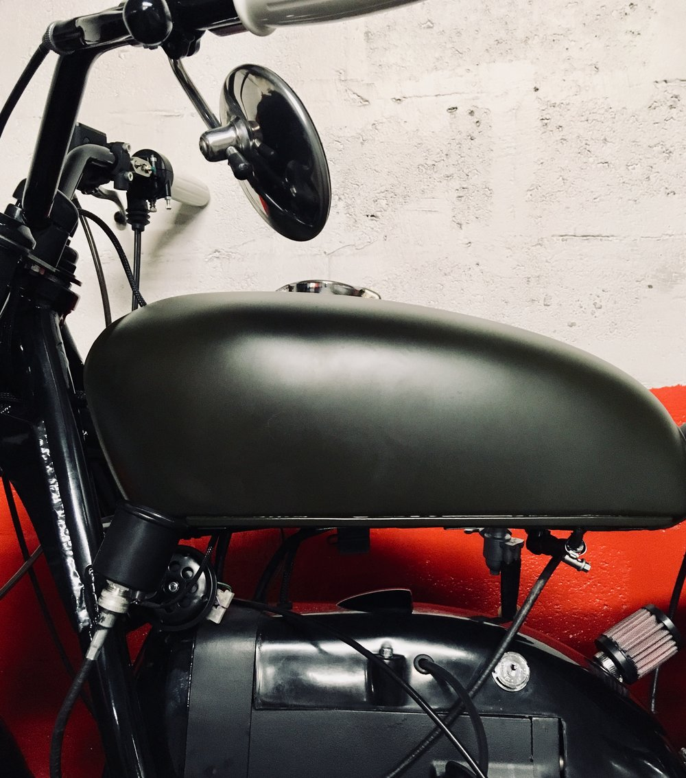 This tank comes from a  Honda  CB 250.