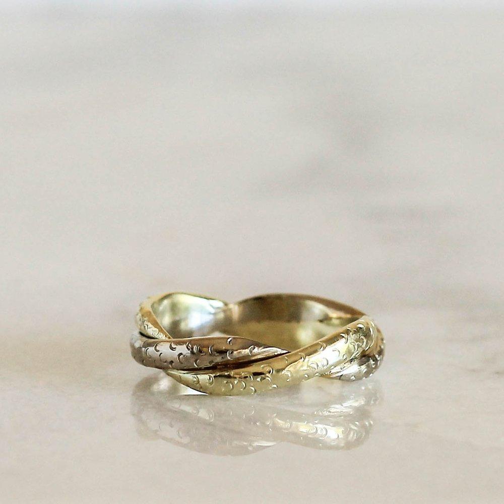 green-gold-twist-wedding-band