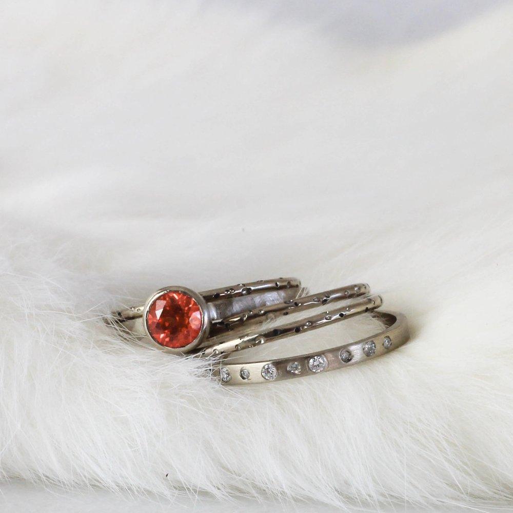 palladium-white-gold-stacker-rings