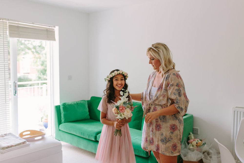 bridal prep with cute daughter