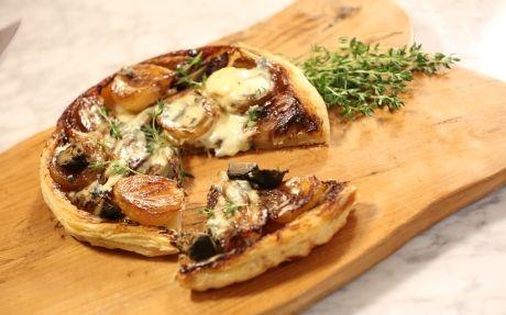 andy-bates-fennel-onion-blue-cheese-tarte-tatin