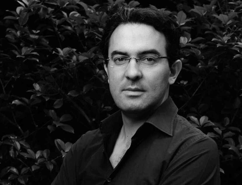 Juan-Gabriel-Vasquez-┬®Hermance-Triay-bassa.jpg