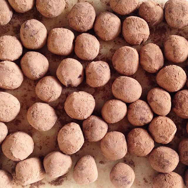 Every day I'm truffle-in 🎵🎵 shufflin' 🎵🎵 Happy Easter weekend!  This weekend @lechoux_ldn is open Saturday and Sunday and we'll be truffle-in and Choux-ing so come and get your Easter and choc fix with us!!