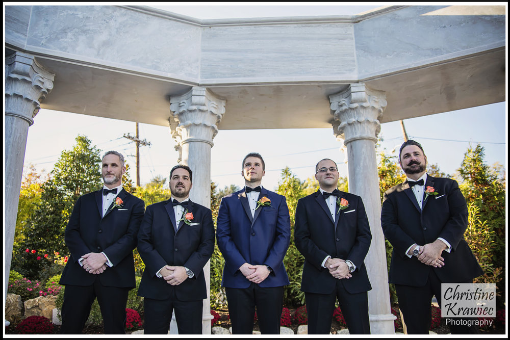 Groomsmen being spiffy